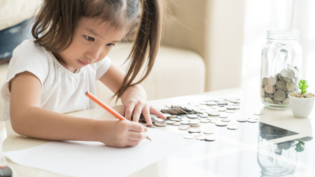 Help Your Younger Kids Understand Credit Cards and Budgets With This App